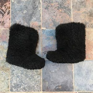 UGG FLUFF MOMMA BOOTS